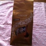コストコのリンツリンドールチョコ☆とろけるような味わいでコスパ良し!超おすすめのチョコです!